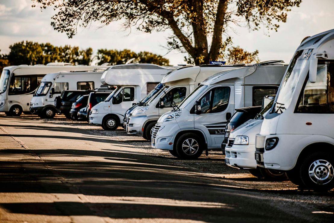 Wohnmobile und Wohnwagen kaufen und mieten in Hamburg